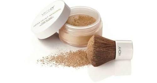 la cipria in polvere libera, makeup di base, fondotinta, viso perfetto, base primer