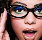 Trucco occhi: con gli occhiali, non dimenticate le labbra!